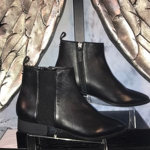 DKNY short Boot NWOT  Size 7 1/2